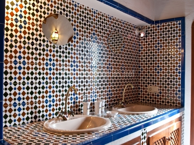 Azulejos patio andaluz latest affordable patio andaluz - Azulejos de patio ...
