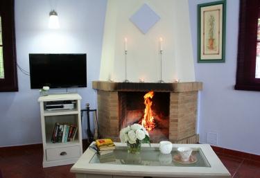 c5e937cd7ba07 ... Casas Rurales El Gastor. ¡Compártelo! Chimenea de leña ...
