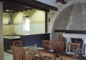 Salón-comedor con chimenea