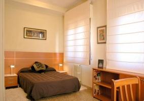 Amplio y luminoso dormitorio