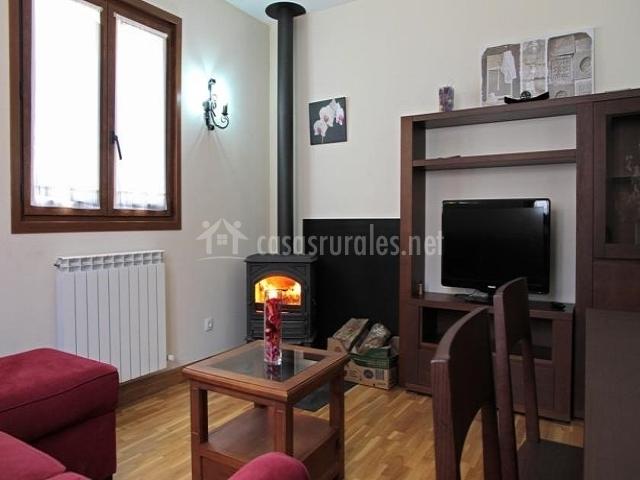 Apartamentos irati en espinal aurizberri navarra for Muebles san bartolome