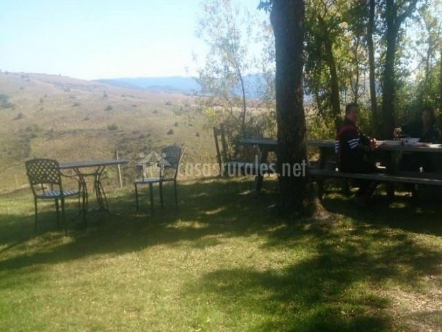 Casa rural aritzenea en meoz navarra for Casa rural con jardin