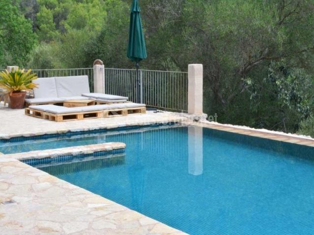 Can torna en esporles mallorca for Casas con piscina mallorca