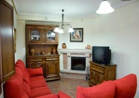 Salón con muebles