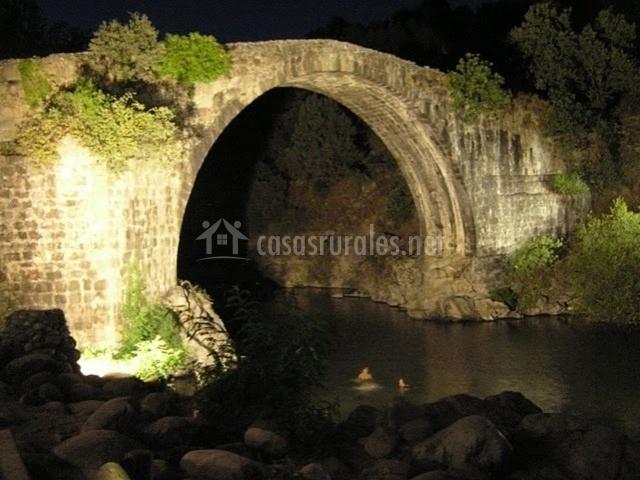 Puente Romano Matrimonio : Apartamento a casco viejo en candeleda Ávila