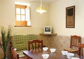 Cocina amueblada y con electrodomésticos