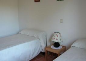 Dormitorio doble blanco