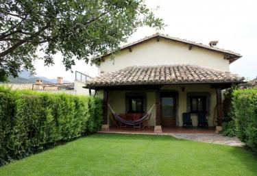 Casa Etxe Zahar - Yesa, Navarra