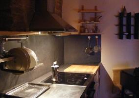 Cocina bajo techo de madera