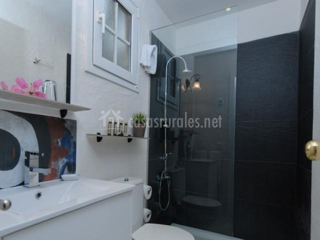 Aseo con ducha de dormitorio doble especial