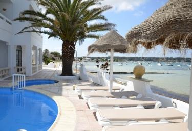 Apartamentos Sabina Playa - La Savina, Formentera