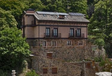 C.T.R. El Paraiso de Gredos - Cuevas Del Valle, Ávila