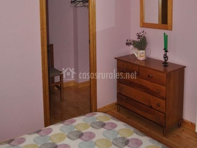 Apartamento la mogota el real de bohoyo apartamentos for Escritorio dormitorio matrimonio