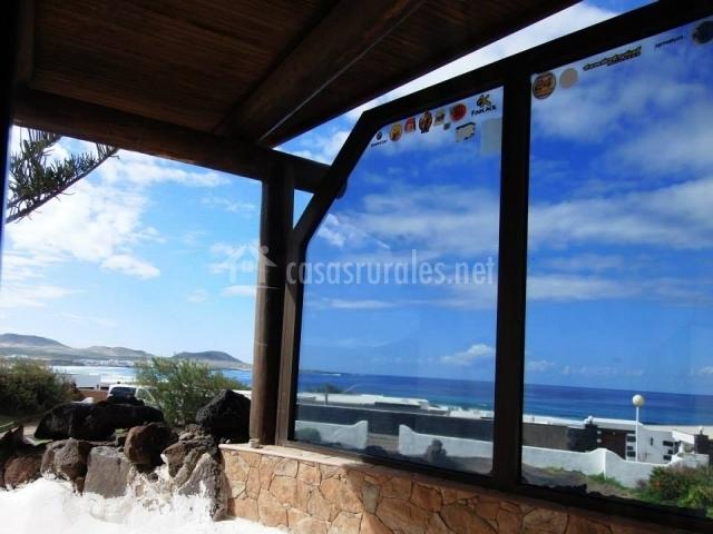 Surf Beach House - Terraza acristalada