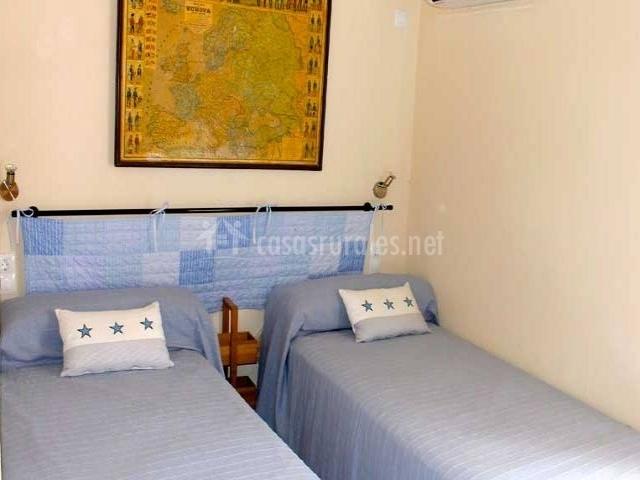 Cas pages des pujol en santanyi mallorca - Dormitorios juveniles de dos camas separadas ...