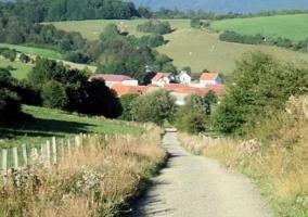 Zonas naturales y caminos de llegada
