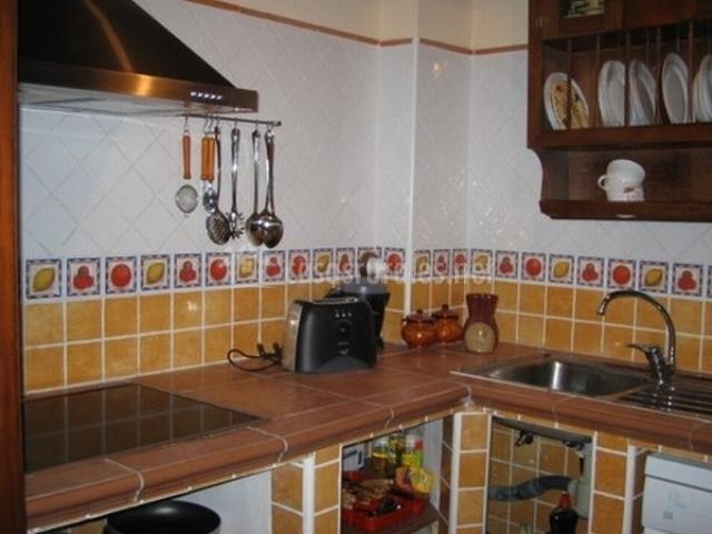 Los boteros ii en pesquera de duero valladolid for Ver azulejos de cocina