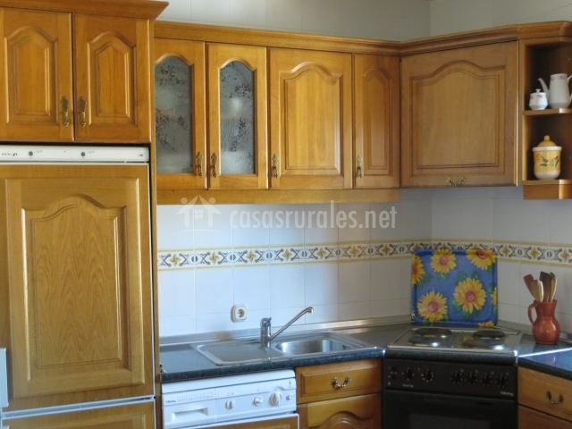 Casa rural etxarrienea ii en salinas de oro navarra - Cocinas leyre ...