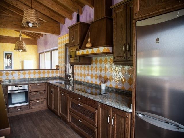 El ribero en montiano burgos for Alicatado cocina