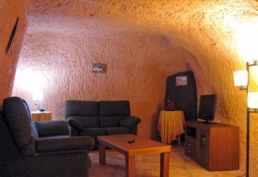 Cueva Castillo de Peñaflor - Valtierra, Navarra