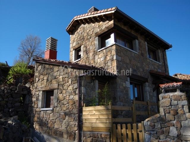 Casa rural alanna spa en san bartolome de tormes vila for Casa rural el jardin de san bartolome