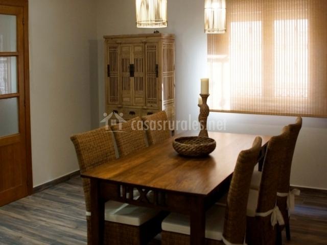 Mesa de comedor seis personas