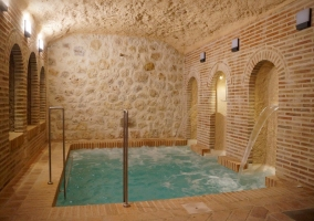 Piscina spa. Zonas comunes