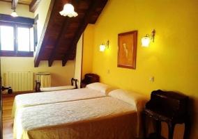 Dormitorio en color amarillo