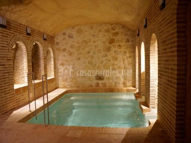 Piscina climatizada en spa