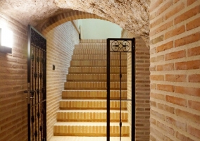 Escaleras de acceso al spa