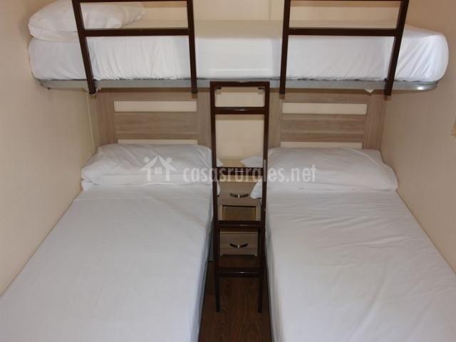 Camping la marina bungalows y caba as en guardamar del for Habitacion 3 camas
