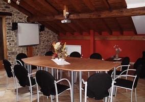 Sala habilitada para reuniones