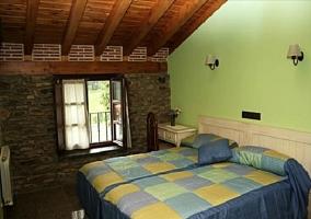 Dormitorio verde claro