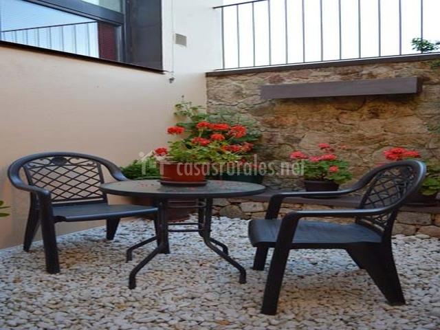 Apartamento los helechos en valencia de alcantara c ceres - Muebles terraza valencia ...