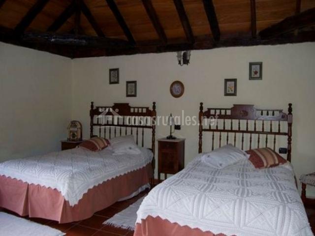 Casa rural patio del naranjo 2 en granadilla tenerife for Camas tenerife