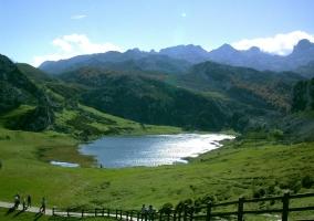 Lago en pleno entorno natural