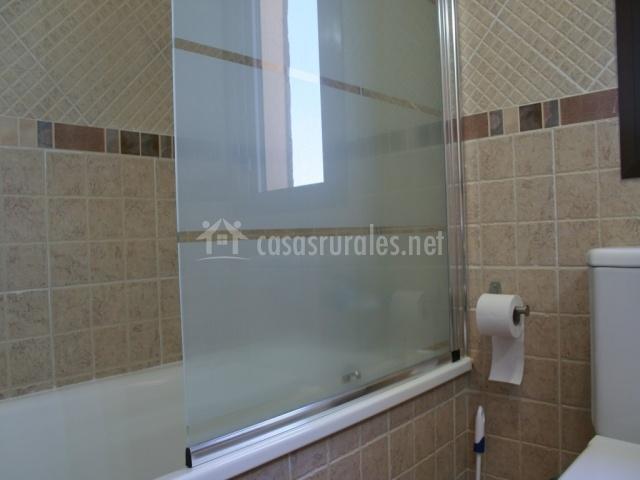 Cuarto de baño primera planta con bañera