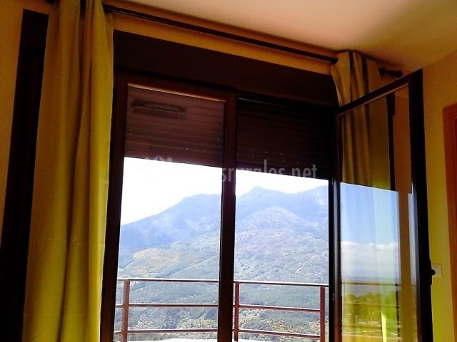 Dormitorio suite y terraza
