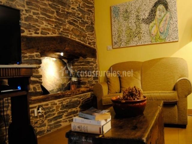 A casa vella casas de outeiro en samos casco urbano lugo for Sala de estar madera
