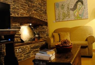 A Casa Vella - Casas de Outeiro - Samos (Casco Urbano), Lugo
