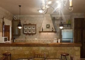 Vista frontal de la cocina