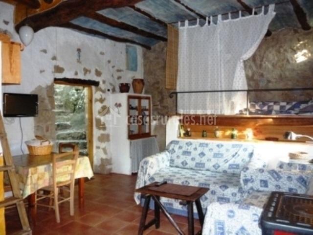 Casa pajar en olba teruel for Sala de estar noche