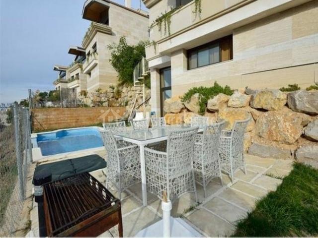 Sitges hills villas en sitges barcelona for Barbacoa y piscina madrid