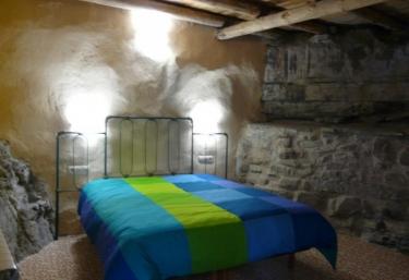 Original habitación de paredes tradicionales