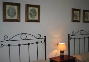 Dormitorio de matrimonio con banco