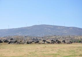 Sierra de Ávila con molinos