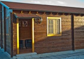 Vista exterior de la cabaña del flotario