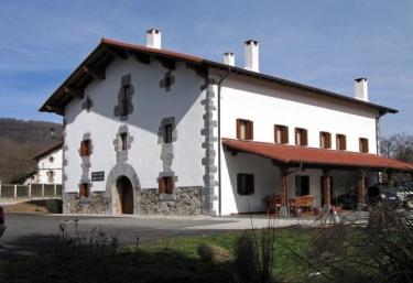 Casa Martikonea - Jaunsaras/jauntsarats, Navarra