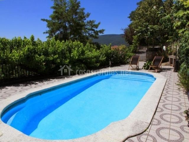 Casa cuatro soles casas rurales en olza navarra for Camping en navarra con piscina