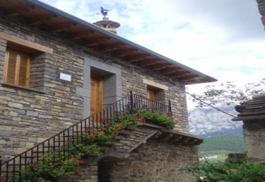 Lacambra de Pueyo - El Pueyo De Araguas, Huesca
